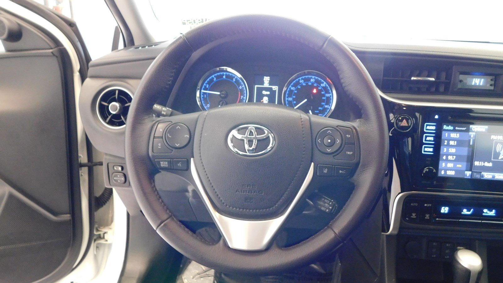 Pre-Owned 2018 Toyota Corolla XSE